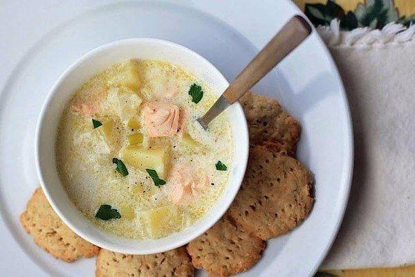Суп рыбный свежей лососевый с головами