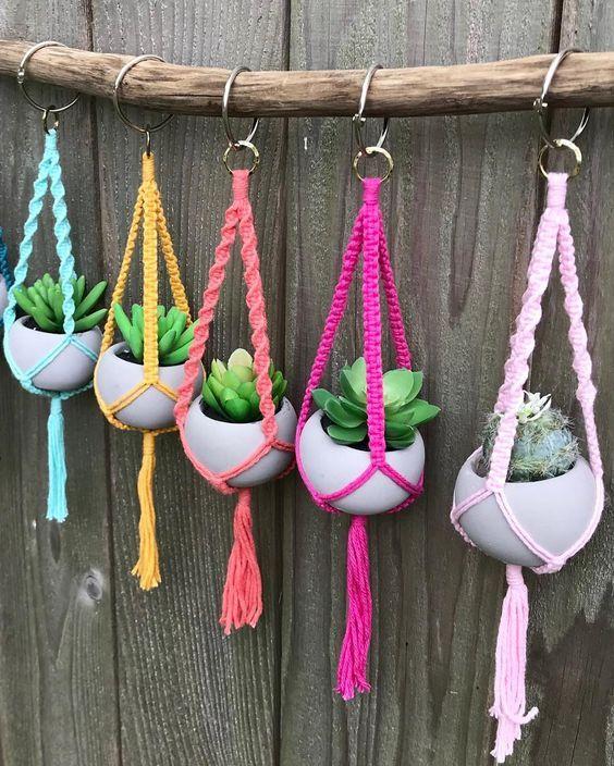 DIY crochet projects, crochet home decor ideas, crochet basket pattern free, crochet wall hanging