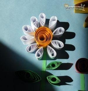 Flores-de-papel-enrollado-2.JPG