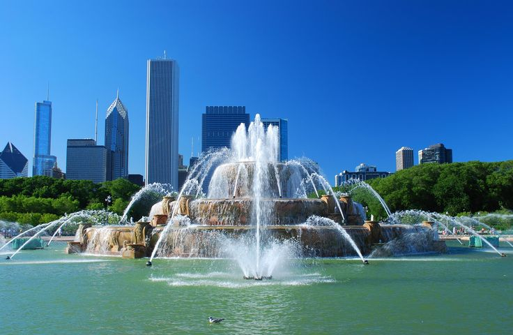 Chicago by Claude Gariepy on 500px - Buckingham Fountain in Chicago on a sunny day