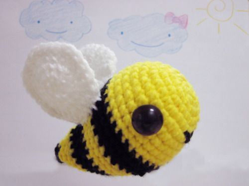 Easy Amigurumi Cat Pattern : 1000+ ideas about Crochet Bee on Pinterest Crocheting ...