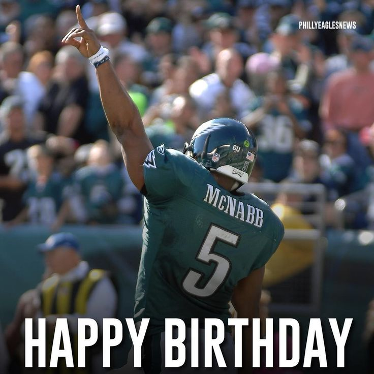 Double tap to wish one of the best quarterbacks in Eagles history Donovan McNabb a happy 41st birthday.   @super_5ive  #EaglesNation #Eagles #Philly #Philadelphia #PhiladelphiaEagles #FlyEaglesFly #BleedGreen