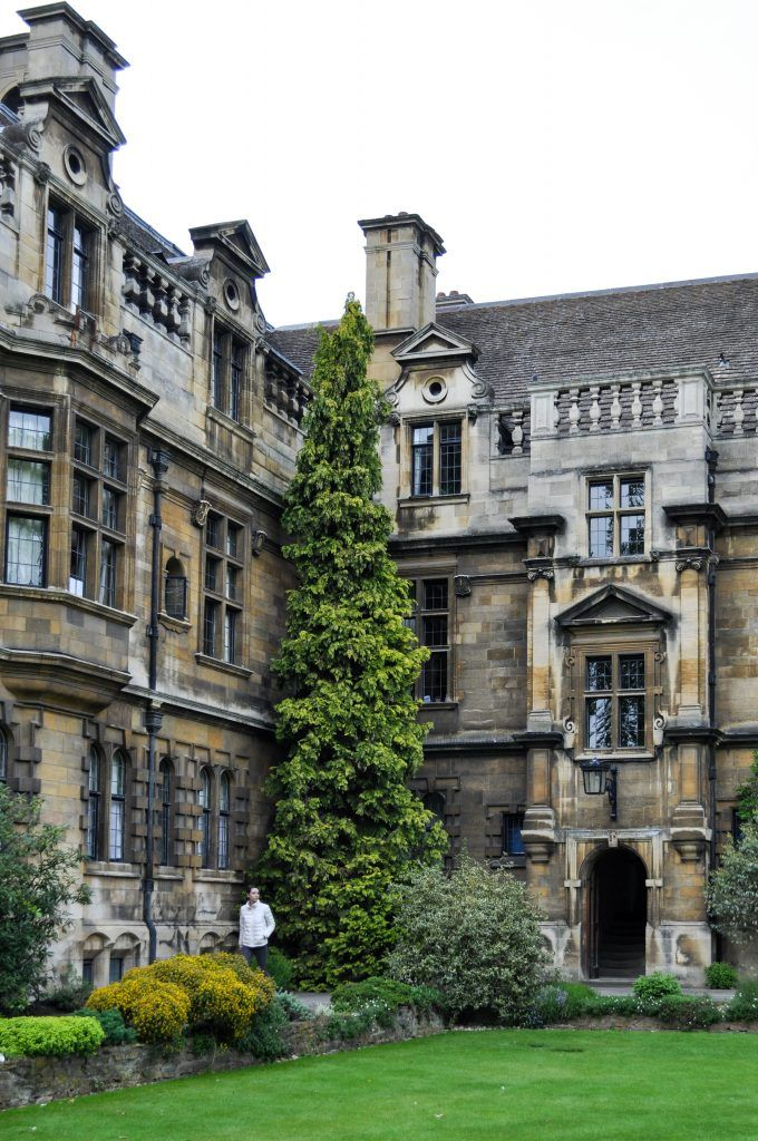 The prettiest colleges to explore in Cambridge, England | Pembroke College at Cambridge University, England