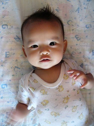 Baby Girl - Is your baby gaining weight properly? Is there a failure to thrive? See the tips and how you can keep track at www.electronicbabyscale.com/failure-to-thrive-in-infants/
