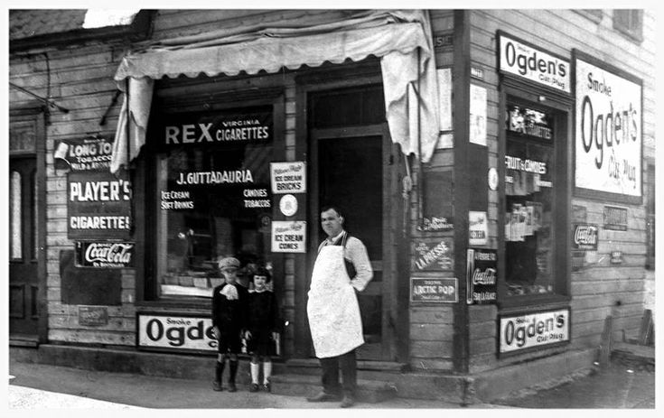 https://flic.kr/p/kA6jcQ   Store located at the corner of Dalhouse and Bruyere (then called Water) in Lowertown ca. 1924. Ideal Coffee now located there.   Ottawa, ON