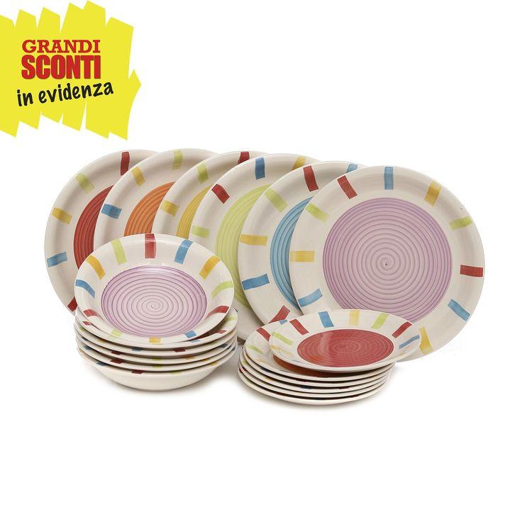 Set di piatti da 18 pezzi in ceramica con decoro colorato.
