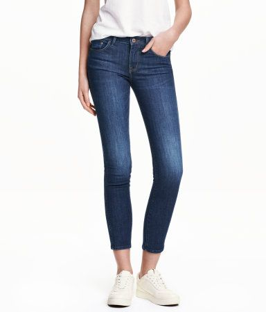 5-pocket, low-rise jeans in washed stretch denim with slim, ankle-length legs.