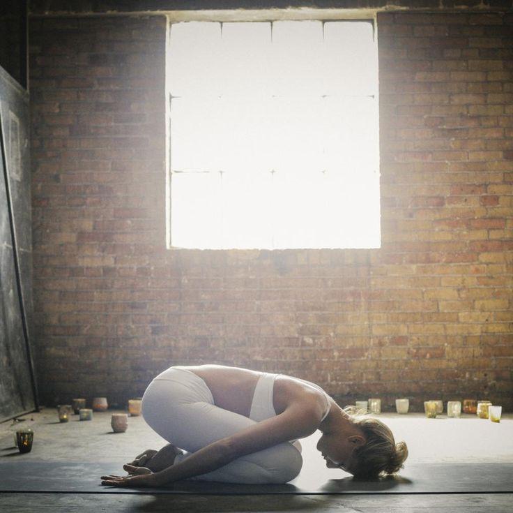Yoga du soir : apprenez les bonnes positions pour le yoga du soir...