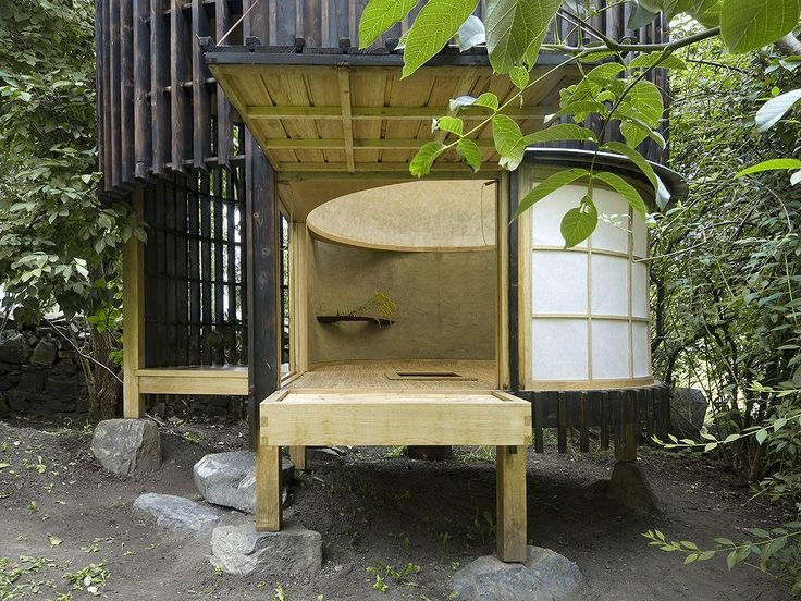チェコのA1 architectsのデザインした茶室の躙口