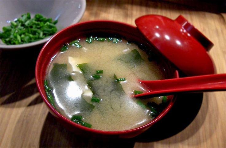 Soupe Miso au Tofu et à l'Algue Wakame