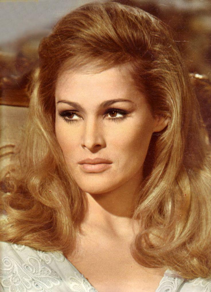 Ursula andress blonde pinterest first james bond movie actresses and anita ekberg - Deguisement james bond girl ...