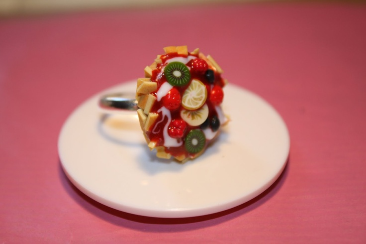yummy jewelry, ring, fruits, strawberry, lemon slices, nougatine, tart, red berries