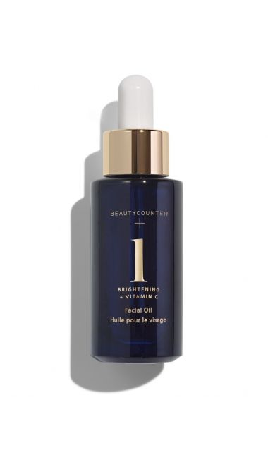 Find Brightening Facial Oil at Beautycounter.com, and shop our collection of safer skincare, face oils, serums and spa sets.This citrus-scented facial oil quickly absorbs and penetrates skin to awaken and replenish. Lightweight and silky smooth, our proprietary blend of seven natural oils moisturizes and improves radiance. Omega-rich marula oil provides intense hydration while antioxidant vitamin C brightens and evens skin tone. Perfect for all skin types and those concerned with dull…