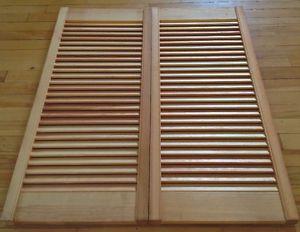 Paire de persiennes en bois