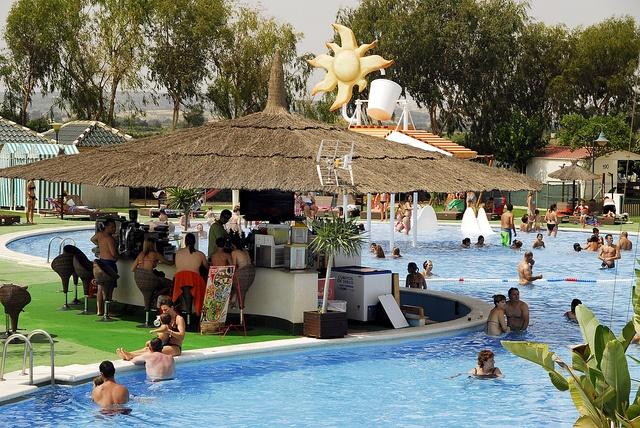 Bar de la piscina by Camping Marjal Guardamar, via Flickr