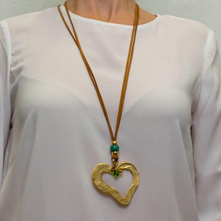Collar largo corazón dorado decorado