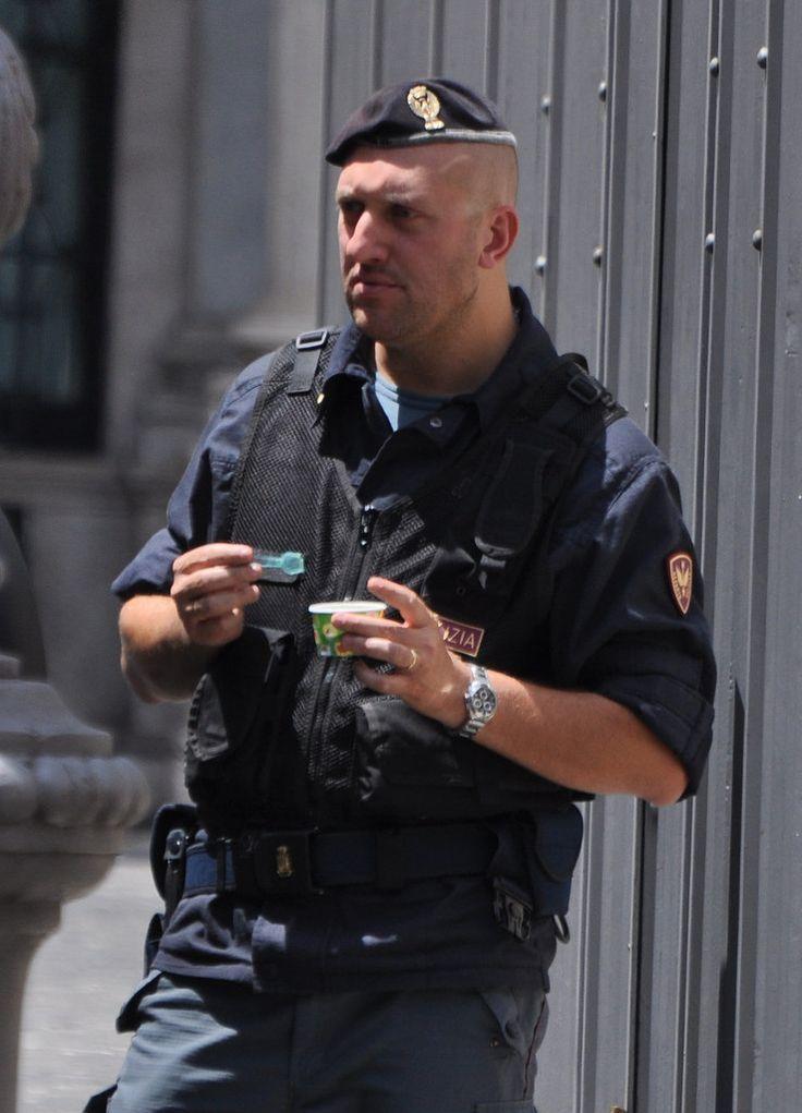 https://flic.kr/p/87MNhd | Italian police : Polizia di Stato | Even tough guys…