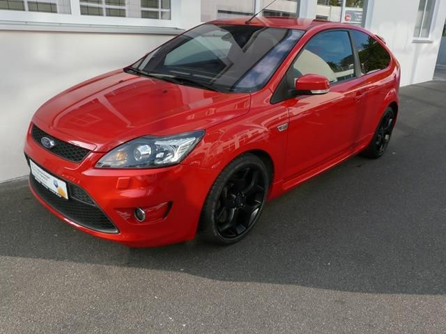 Ford Focus ST mit Recaro Sitzpaket 1 Gebrauchtwagen, Benzin, € 10.990,- in Wolfschlugen