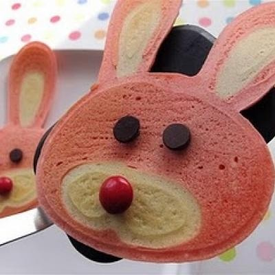Easter Bunny Pancakes...going to make these for the girls, but a healthy  version