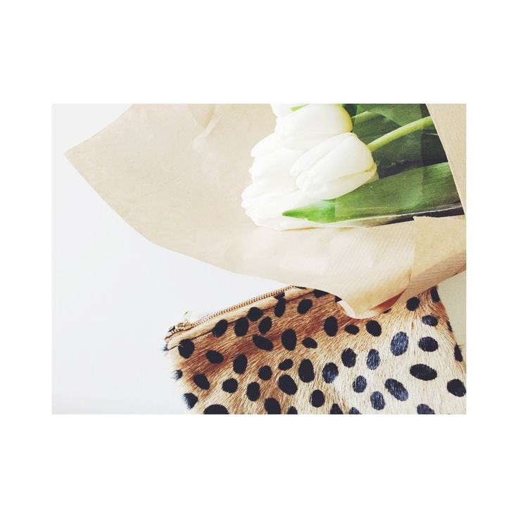 ♢ Pochette en cuir Léo, doublure coton noir♢15 X 19 cm DELAI DE LIVRAISON 7 à 20 jours