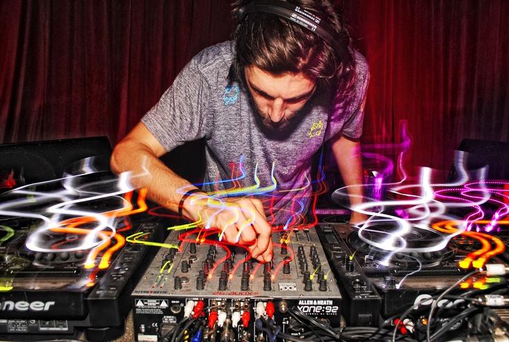 DJ mas o menos*