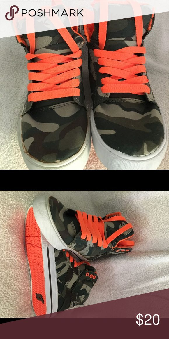 Boys Shoes Tony Hawk camo hi tops fun shoes for everyday wear bright orange strings and bottom of shoes canvas no box tony hawk Shoes Sneakers