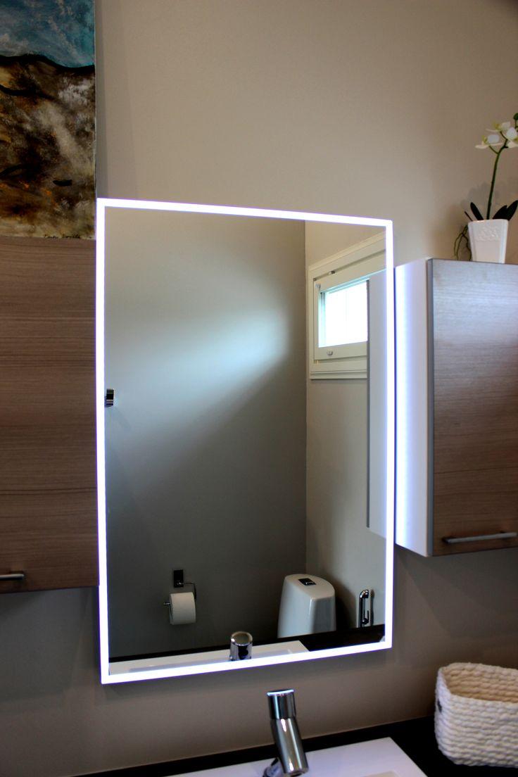Villa Piccolon suihku-/wc-tiloissa on tykätty Topiled-peili, joka on todella hyvä esim. meikkaamisessa.
