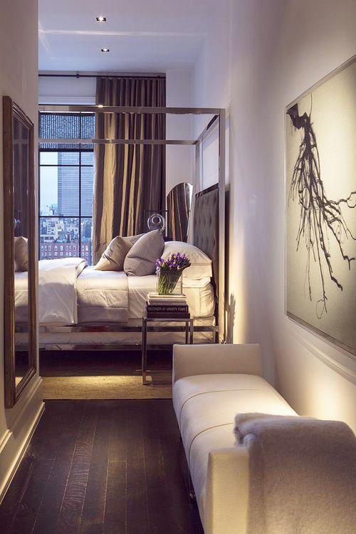 Si no se puede quitar entrada a la suite, posible hall con banqueta, cuadro y espejo