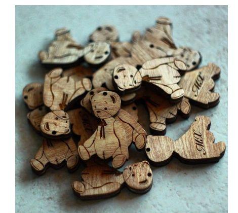 Бирки для упаковки изделий ручной работы. Возможно сделать на основе Вашего логотипа  Пропитаны деревозащитным составом.  Изготавливались для мишек Тедди с инициалами мастера.
