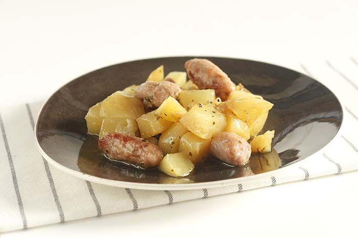 Cómo hacer cazuela de salchichas y patatas en Crock Pot