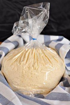 Универсальное дрожжевое тесто. Очень удобное тесто в использовании. Замесил один раз, убрал в холодильник, и можешь пользоваться им по мере необходимости в течении 7 дней, отрывая нужный кусочек …