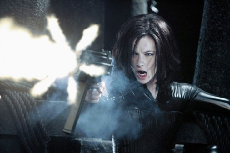 Selene (Kate Beckinsale - Underworld - 2003)