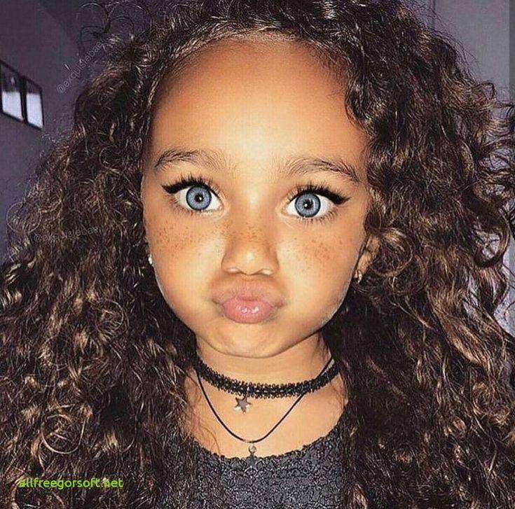 Niedliche kleine schwarze Mädchen Frisuren