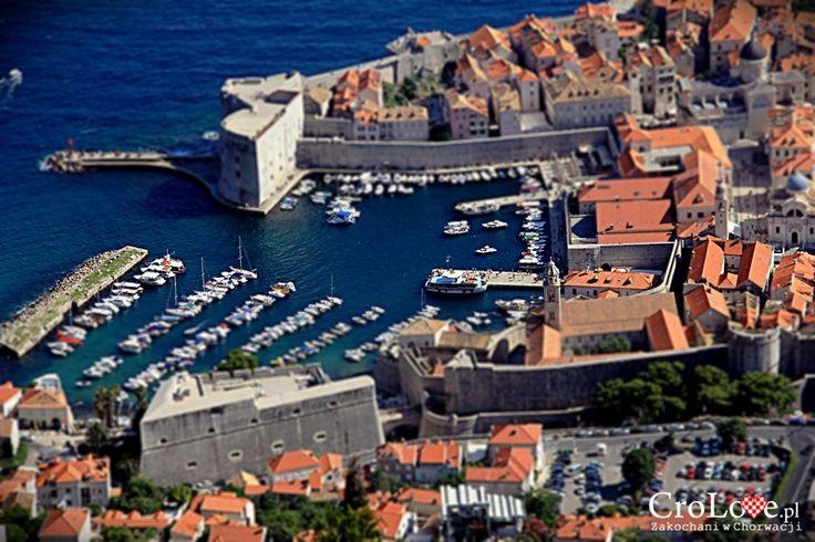 Dubrownik widziany ze wzgórza Srđ    http://crolove.pl/wzgorze-srd-w-dzien-i-w-nocy/    #Srd# #Dubrownik #Dubrovnik #Chorwacja #Croatia #Hrvatska #Travel #Trip #summer