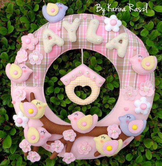 Guirlanda maternidade...com 35 cm ....pode ser feitas em outras cores e temas... R$ 230,00