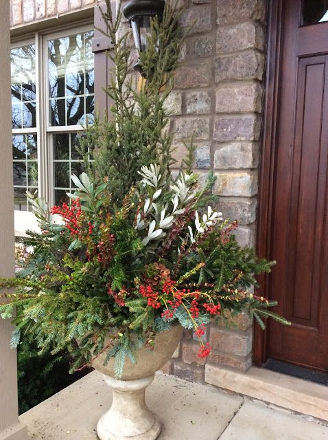 17 best images about winter home decor ideas on pinterest for Planter ideas for front of house