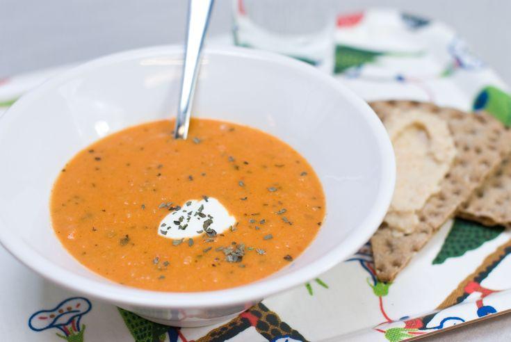 Krämig tomat- och basilikasoppa
