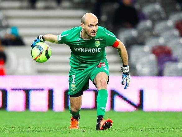 Rémy Riou se verrait bien en Bleu. Alors qu'il se prépare à disputer le sprint pour une place européenne avec son club du FC Nantes, le capitaine et ...