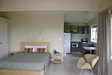 Romantic Garden Villa, a Perfect Retreat! Studio Spa Garden Villa at Papamoa Beach Resort