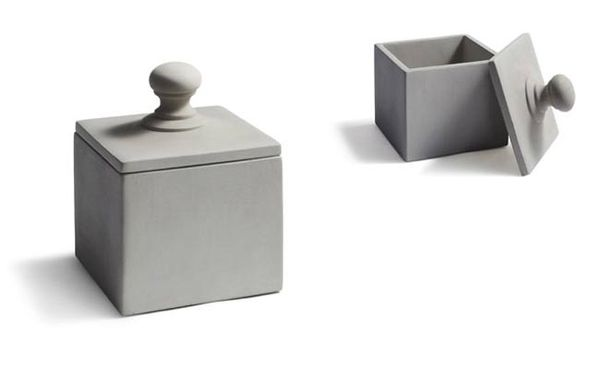 Kub med lock i betong (Tove Adman)  http://krabat53.shop.textalk.se/forvaring/kub-med-lock-i-betong-tove-adman.html