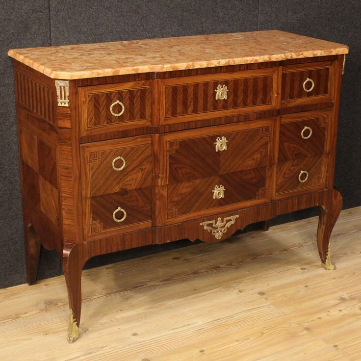 1900€ French inlaid dresser with marble top in Transition Style. Visit our website www.parino.it #antiques #antiquariato #furniture #inlay #antiquities #antiquario #comò #commode #dresser #chest #drawer #golden #gold #decorative #interiordesign #homedecoration #antiqueshop #antiquestore