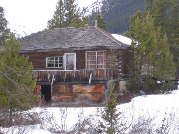 Abandoned Cassiar is a ghost town in British Columbia, Canada (It was a small company-owned asbestos mining town located in the Cassiar Mountains of Northern British Columbia north of Dease Lake. After forty years of operation) Pic-1
