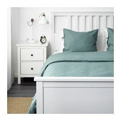 IKEA - PUDERVIVA, Housse de couette et 2 taies, 240x220/65x65 cm, , Les fibres naturelles du lin créent de subtiles variations sur la surface du tissu, ce qui offre au linge de lit une brillance et une texture caractéristiques.Le lin aide à conserver une température corporelle confortable et constante toute la nuit car c'est un matériau qui respire et absorbe l'humidité corporelle.Le lin est un matériau solide et résistant qui supporte bien les lavages et offre une prot...
