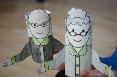 Babcia i dziadek z rolek po papierze toaletowym