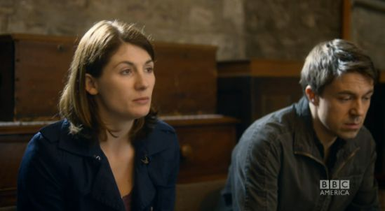 Tonight episode 7 of the award winning drama Broadchurch airs on BBC America at 10pm/9c.   The Hollywood Reporter has a sneak peak look at tonight's episode.  In this video clip with Jodie Whittaker, Andrew Buchan and Arthur Darvill, Beth and Mark Latimer seek the help of Rev Paul Coates as they are unable to cope with the mur...