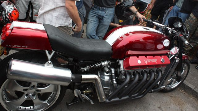 The other 500 HP Viper powered bike that isn't the Tomahawk. Home-Built Dodge Viper Motorcycle = Impossible Win