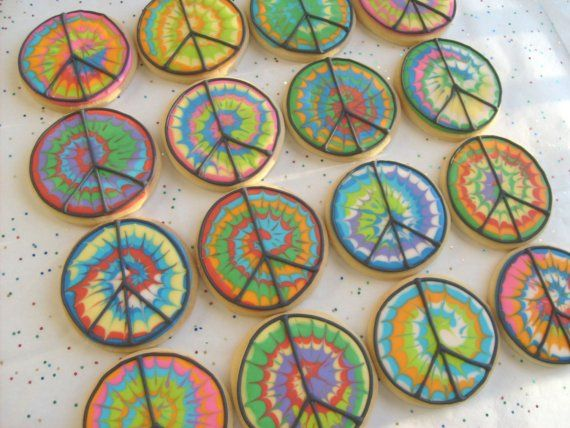 TYE DYE Peace Sign COOKIES  Tye Dye Decorated by lorisplace, $35.99  Got to make these for Joe's cousin's birthday... she is super into peace signs and all things psychedelic.