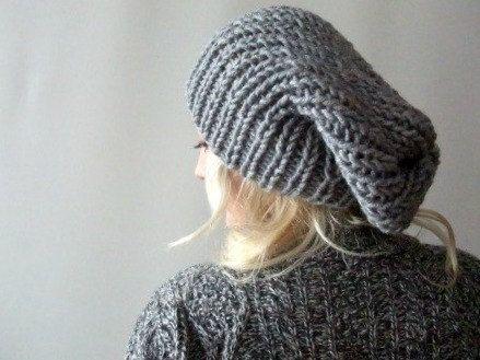 slouchy knit beanie. Gorro flojo. gorrita tejida por LoveandKnit