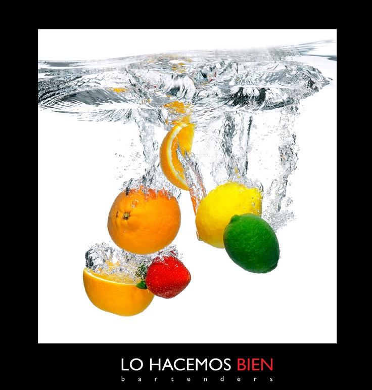 Tip: Los Jugos & La Fruta    Para cocktails frescos siempre usamos fruta recién cortada o jugos exprimidos en el momento.  Recuerden lavarla siempre y en el caso de los citricos utilizarlos con cascara para aprovechar los aceites esenciales que aportan sabor y aroma a sus cocktails.