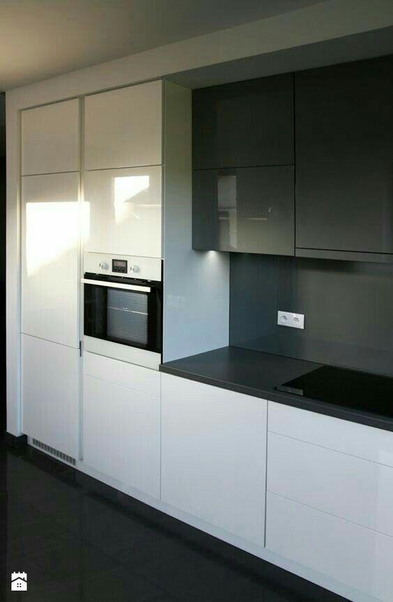 koyu gri beyz akrilik  mutfak bas ac sistem kapaklat ve cekmeceler ultra lux mutfak. metre karesi 750 tl
